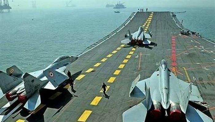 Ấn Độ mua 21 MiG-29, nhận trung đoàn S-400 Triumf đầu tiên