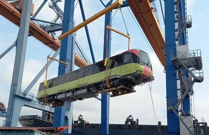 Đoàn tàu metro thứ ba đường sắt Nhổn – Ga Hà Nội đã về đến Việt Nam