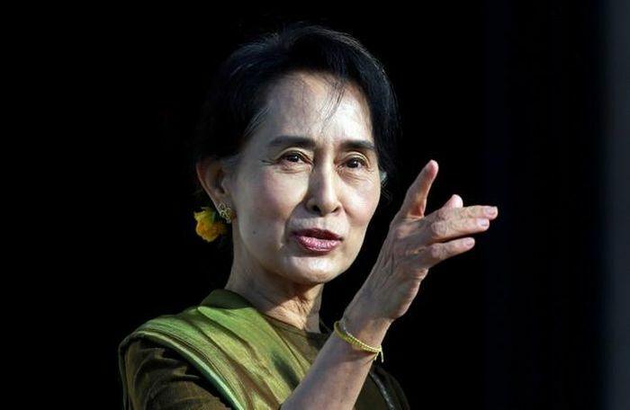 Cố vấn Aung San Suu Kyi và Tổng thống Myanmar bị bắt giữ, quân đội được triển khai dày đặc