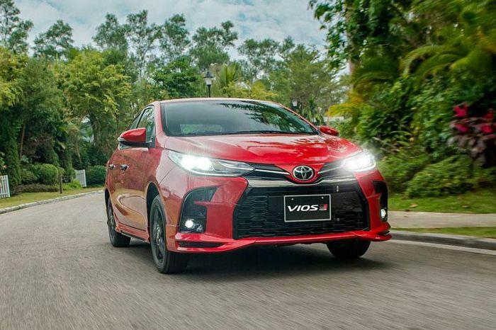 """Toyota Vios 2021 giá từ 478 triệu tại Việt Nam có ưu điểm gì để """"đấu"""" với Hyundai Accent, Honda City?"""