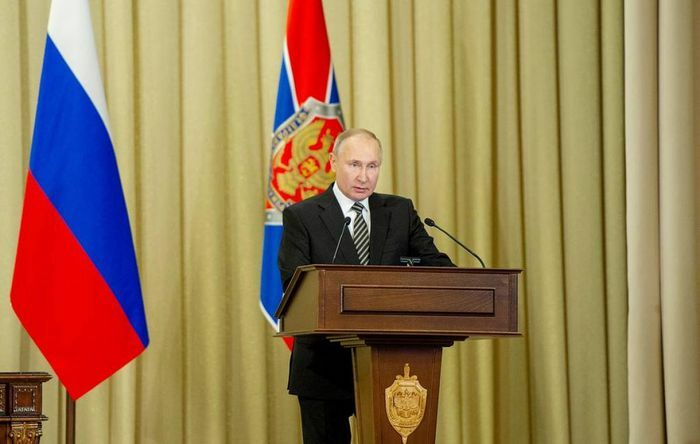 Tổng thống V.Putin tuyên bố: Chính sách kiềm chế Nga là hoàn toàn không có triển vọng