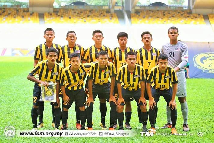 """Malaysia """"chơi lớn"""", biệt phái 15 cầu thủ đến đội bóng của Đặng Văn Lâm"""