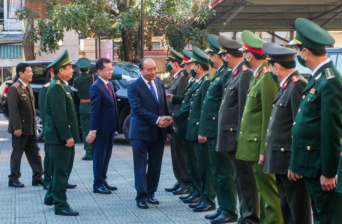 Thủ tướng Nguyễn Xuân Phúc thăm và chúc Tết các đơn vị tại Đà Nẵng