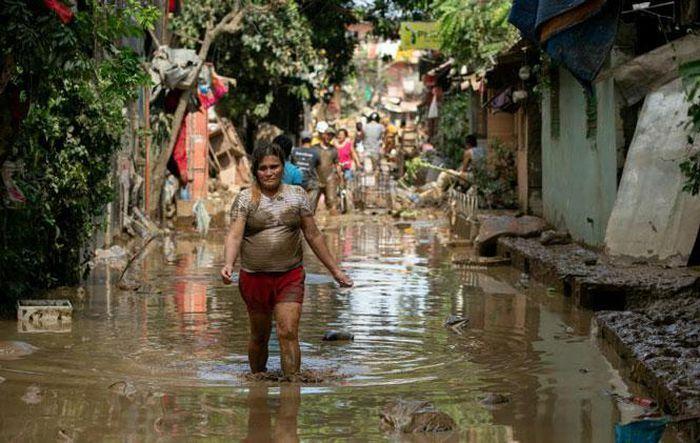 Philippines sơ tán hơn 50.000 người trước bão lớn
