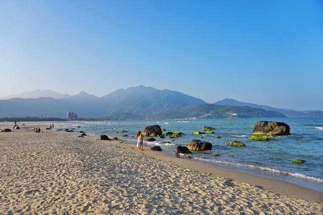 Mùa rêu xanh tại Rạn Nam Ô Đà Nẵng hút du khách check-in đầu năm