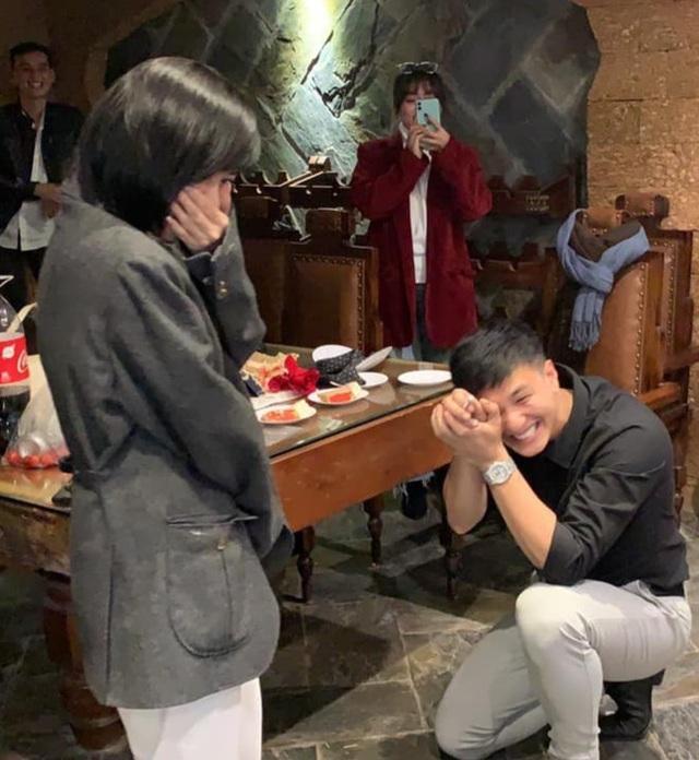 Những màn cầu hôn đáng nhớ của sao Việt