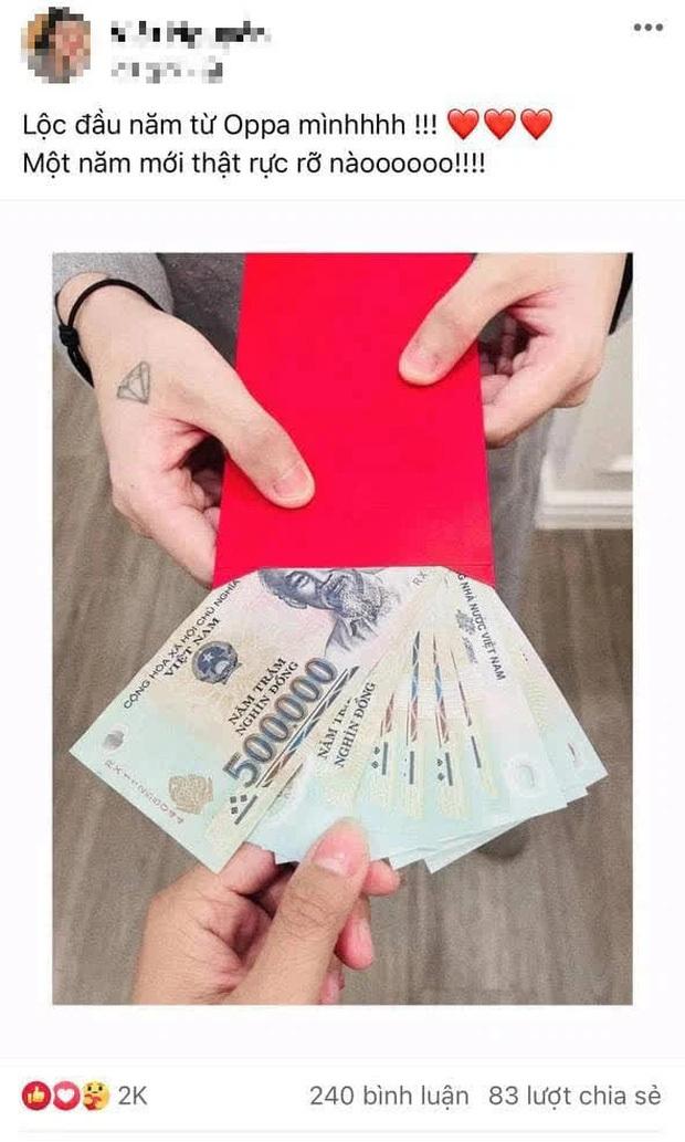 """Dân mạng xuýt xoa bức ảnh """"Sếp nhà người ta"""" Sơn Tùng M-TP lì xì nhân viên 5 triệu, nhưng thực tế số tiền còn lớn hơn?"""