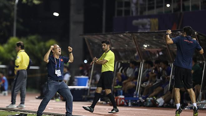 HLV Park Hang Seo mừng hơn lo ở vòng loại World Cup 2022