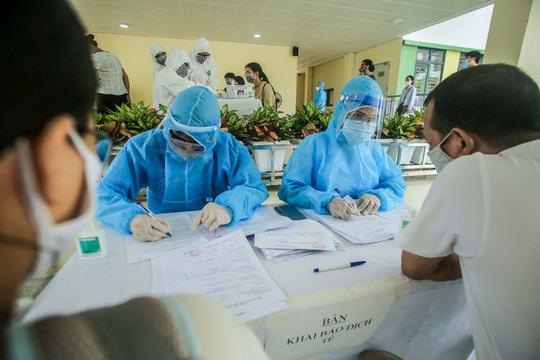 Lịch trình phức tạp của 3 ca Covid-19 mới ở Quảng Ninh, bệnh nhân 1849 từng về Hà Nội, tiếp xúc nhiều người