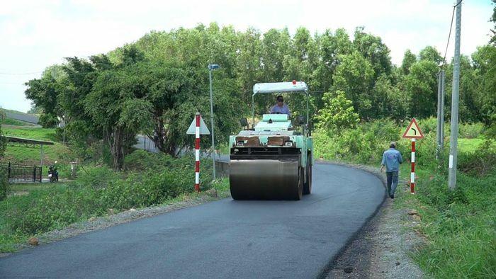 Người dân góp sức hoàn thiện giao thông nông thôn