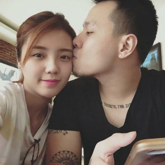 Lâm Á Hân bất ngờ khoe ảnh tình cảm bên chồng cũ sau 3 năm tố bị phản bội