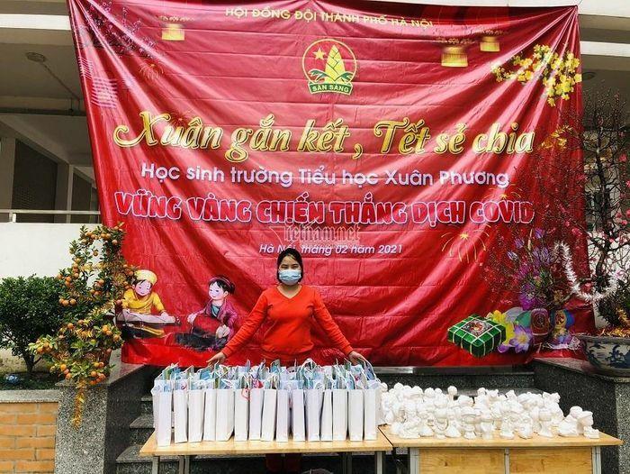 Học sinh tiểu học Hà Nội cùng nhau đón Tết sớm trong khu cách ly