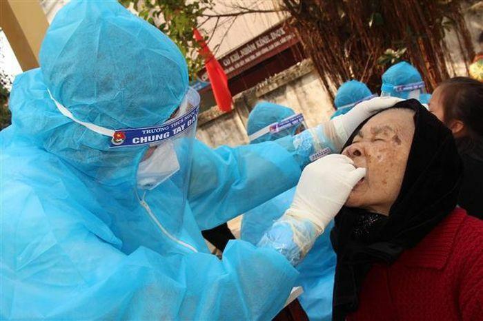 Thêm 16 ca mắc COVID-19 mới: 13 ca lây nhiễm cộng đồng