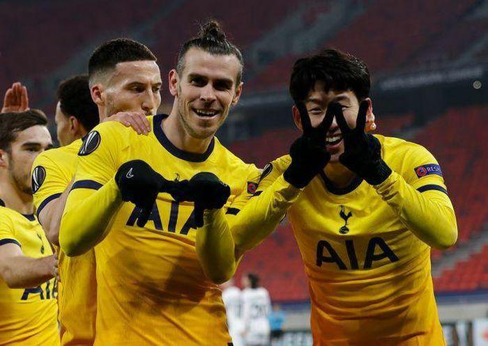 Gareth Bale bất ngờ tỏa sáng, HLV Mourinho nói gì?