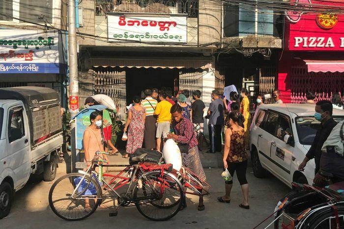 IMF viện trợ Myanmar 350 triệu USD vài ngày trước chính biến