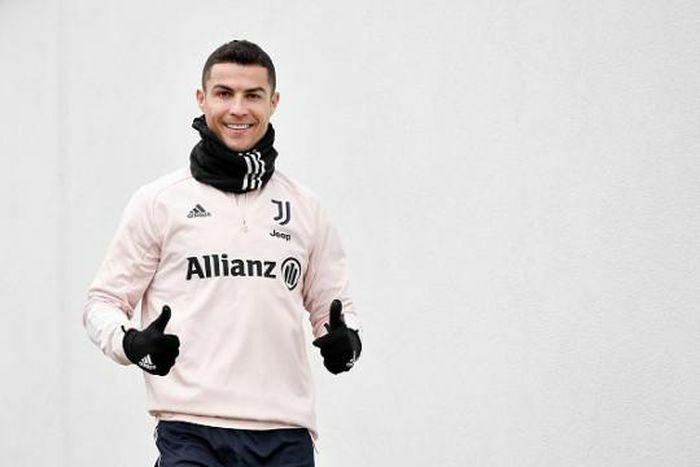 Ronaldo gây sốt với lời hứa sinh nhật tuổi 36