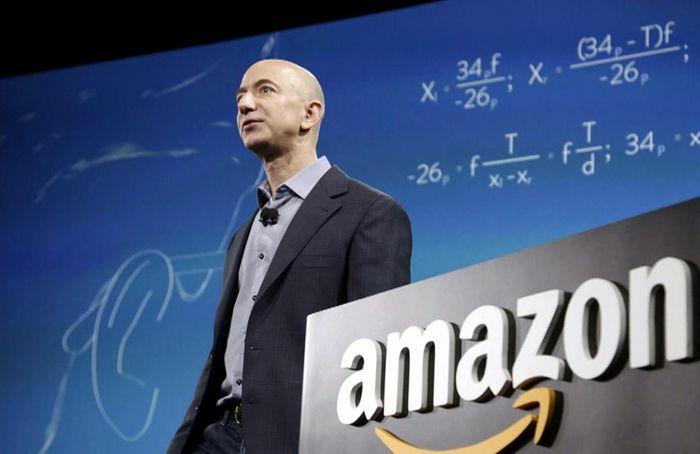 CEO Amazon trở lại vị trí người giàu nhất thế giới