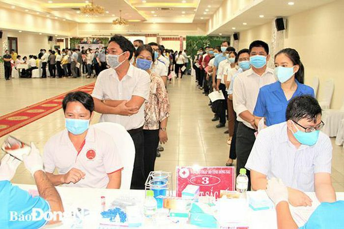 Tiếp nhận gần 500 đơn vị máu hiến tình nguyện