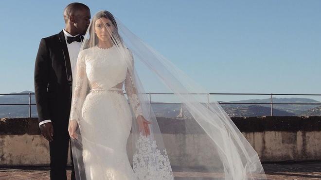 Kim Kardashian không liên lạc với Kanye West