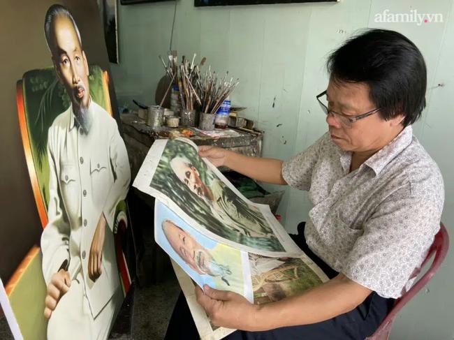 """Họa sĩ vẽ gần 1.000 bức chân dung Bác Hồ: Bức tranh đầu tiên năm 16 tuổi, thừa hường """"gia sản vô giá"""" từ người cha"""