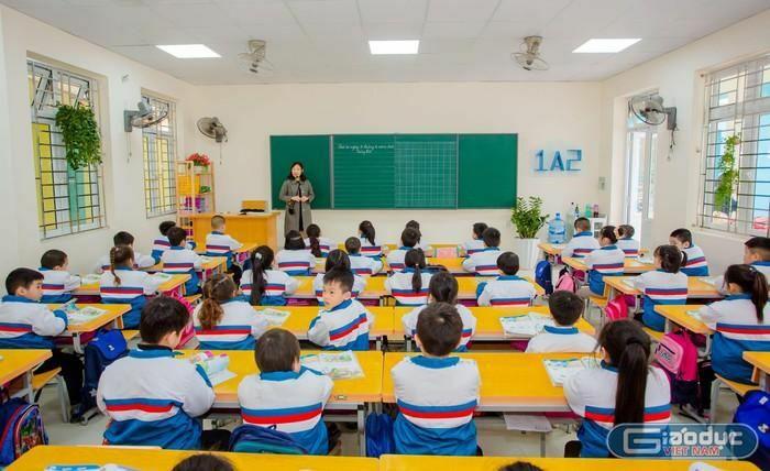 Giáo viên được chuyển xếp lương như thế nào theo thông tư mới?
