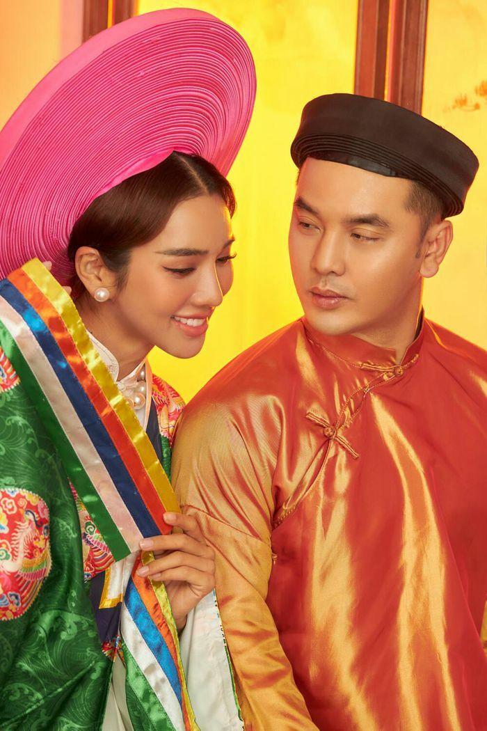 Ưng Hoàng Phúc và Kim Cương đẹp đôi trong trang phục truyền thống, lần đầu ngọt ngào song ca