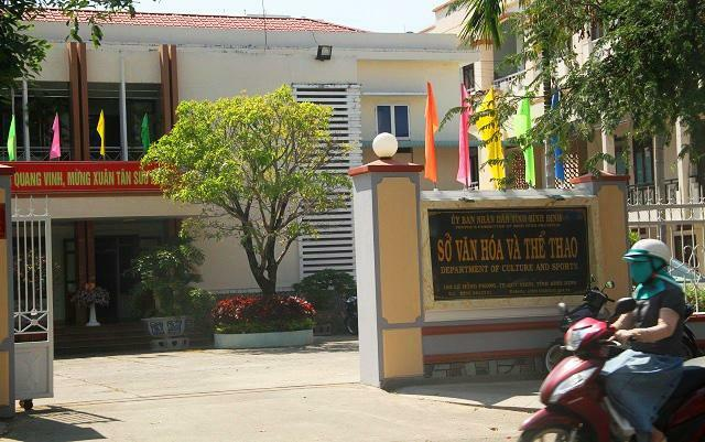 """Xử lý nghiêm vụ đối tượng """"xăm trổ"""" đến nhà Giám đốc Sở Văn hóa và Thể thao Bình Định hăm dọa"""