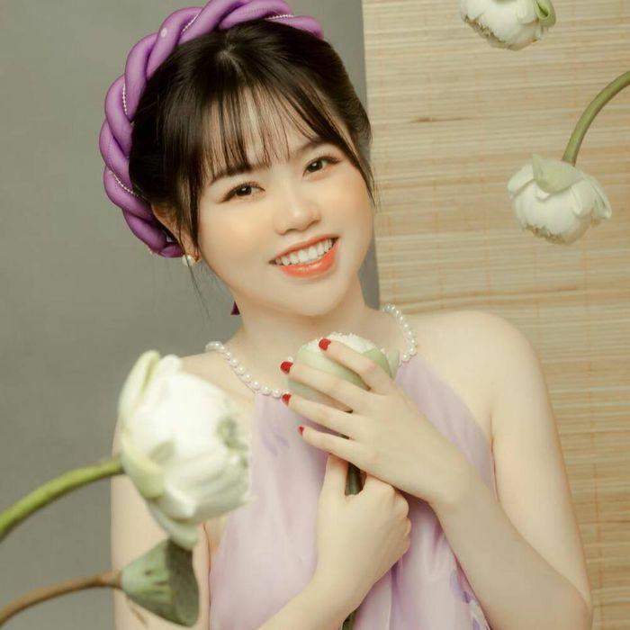 """""""Tình cũ Quang Hải"""" bất ngờ """"cà khịa"""" diễn viên Huỳnh Anh, ViruSs lập tức vào bình luận"""