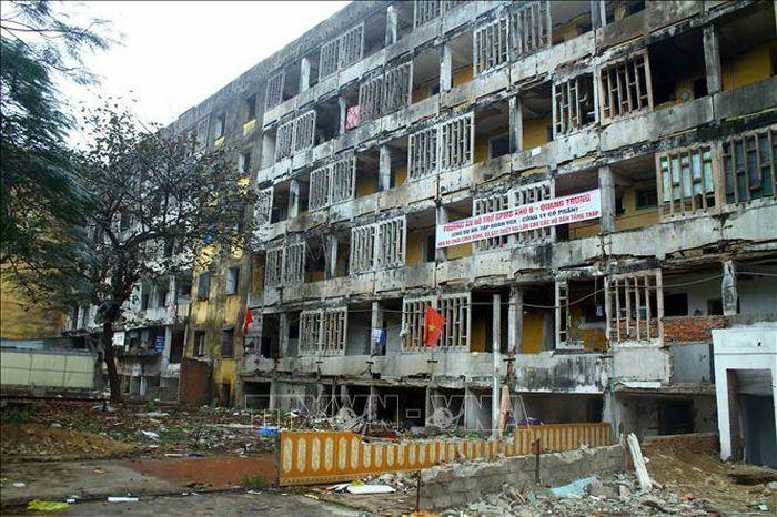 Nghệ An: Cưỡng chế phá dỡ các nhà chung cư B3, B6