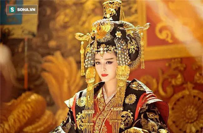 Vì sao trước lăng mộ Võ Tắc Thiên lại có 61 pho tượng đá không đầu?