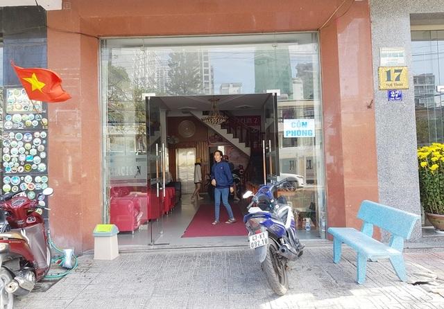 """Khách sạn bình dân ở Nha Trang """"ngóng khách"""" vì Covid-19 kéo dài"""