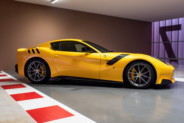 Cựu vương F1 Sebastian Vettel rao bán 8 xe khủng trong bộ sưu tầm bí ẩn, 2 chiếc đắt nhất lập tức có chủ