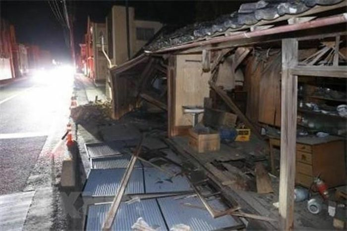 Động đất mạnh làm rung chuyển Indonesia và Nhật Bản