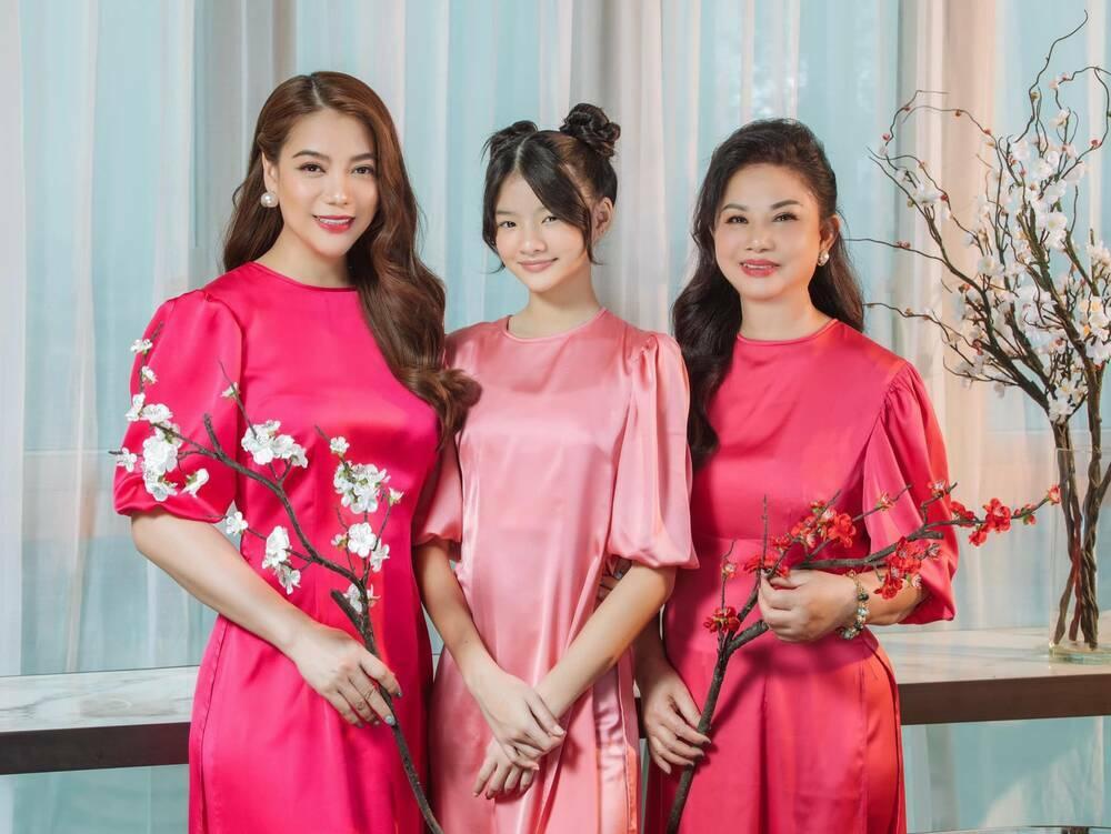 Trương Ngọc Ánh khoe ảnh mẹ và con gái, sắc vóc Bảo Tiên quả là không phải dạng vừa