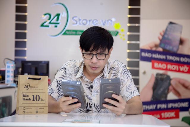 Thái Hoà tự thưởng iPhone 12 Pro Max, mừng 'Tiệc trăng máu' thắng lớn