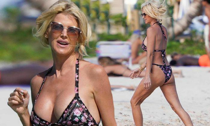 Hoa hậu Thụy Điển Victoria Silvstedt diện bikini cực nóng bỏng ở tuổi U50