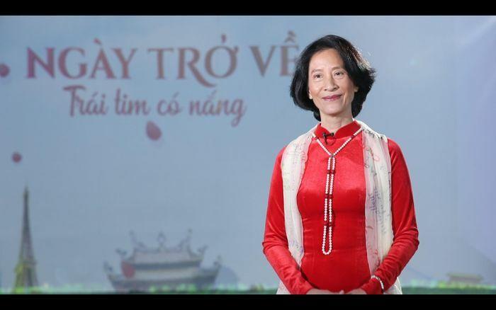 """Nhà văn Việt kiều Pháp thắng COVID-19 xuất hiện ở """"Người trở về 2021"""" phát sau Giao thừa"""