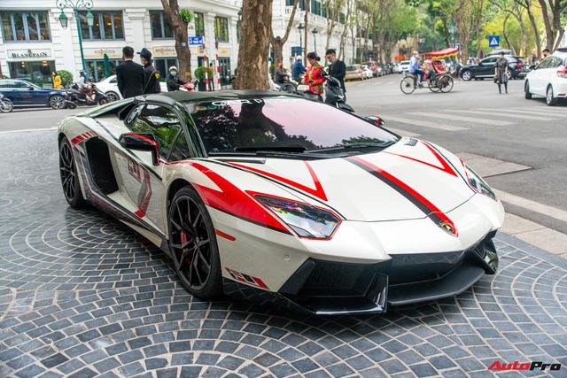 Dàn xế khủng của đại gia Hà thành ra phố du xuân: Siêu xe và xe thể thao sặc sỡ, có chiếc hiếm khi xuất hiện trên đường
