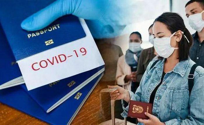 """Hộ chiếu vắc xin ngừa Covid-19: """"""""Tấm hộ chiếu"""""""" gây nhiều tranh cãi"""