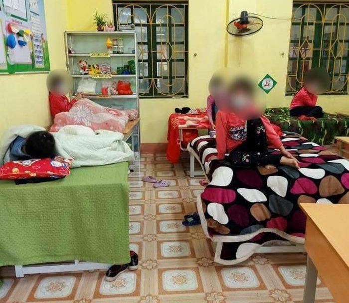 Hà Nội: Thêm một phụ huynh dương tính SARS-CoV-2, 27 cô trò trường Tiểu học cách ly
