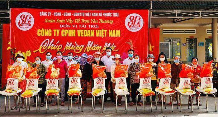 Vedan Việt Nam trao 1.000 phần quà Tết cho người dân Đồng Nai