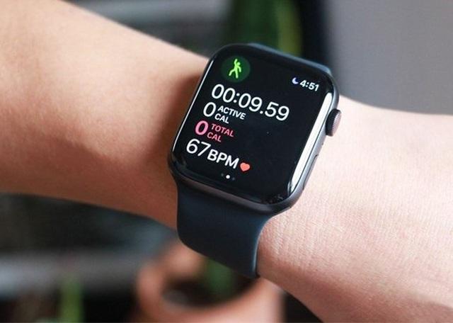 Apple Watch bị dính lỗi sạc pin, sẽ được sửa miễn phí - ảnh 1