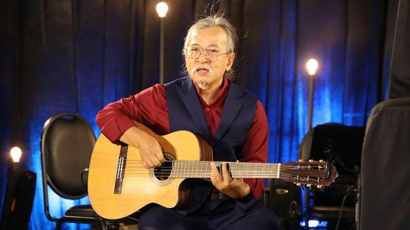 """Nghệ sĩ guitar Hùng Hero thỏa ước mong về một """"sô diễn cuộc đời"""""""