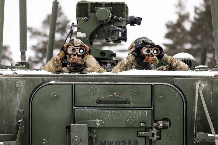 """Bị chê """"chết não"""", NATO tìm đường cải cách"""