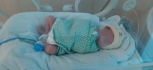 Thương tâm: Bé sơ sinh bị bỏ rơi ở Hà Nội ngày 29 Tết
