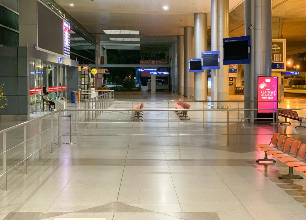 Ga quốc tế Tân Sơn Nhất vắng lặng dịp Tết
