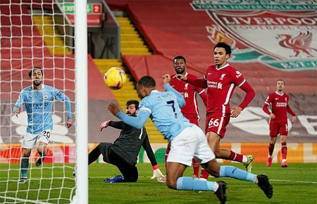 """Man City đè bẹp Liverpool, HLV Guardiola nhắc tới """"sự phi thường"""""""