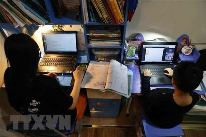 Nhiều địa phương cho học sinh nghỉ học, học trực tuyến để phòng dịch