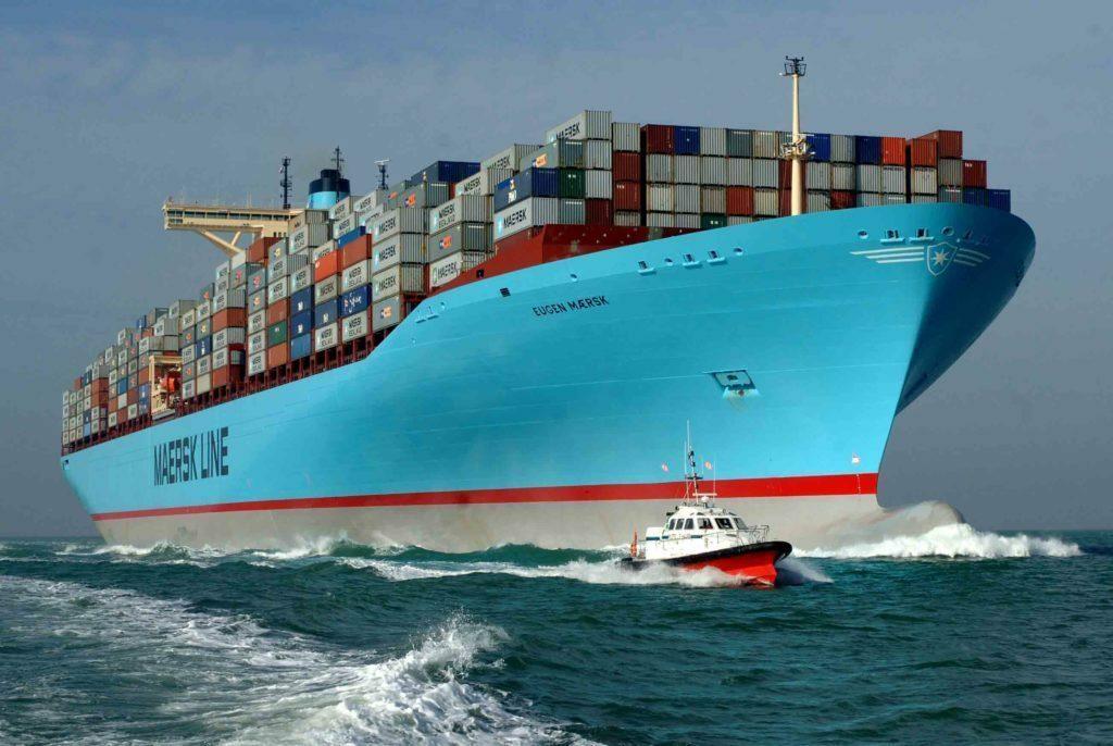 Giữa dịch Covid-19, TQ mua gom container rỗng làm gì?