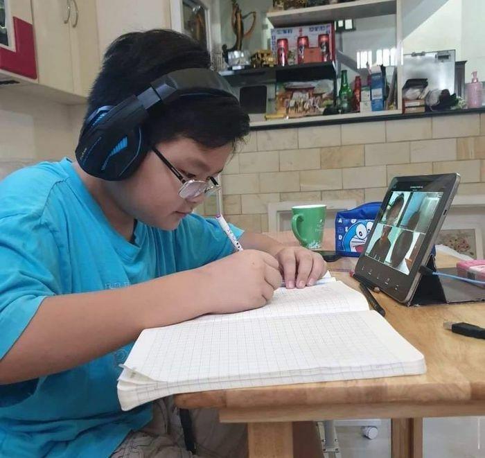 TPHCM: Học sinh Trường Trí Đức học trực tuyến sau Tết